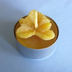 Tealight beeswax candle leaf