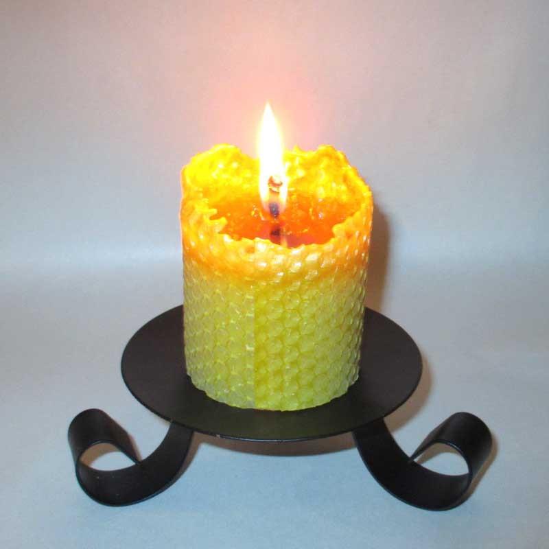 bougie en cire d 39 abeille pilier gaufr 5 5x10cm l 39 alchimie des bougies. Black Bedroom Furniture Sets. Home Design Ideas