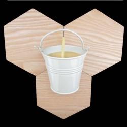 Bougie en cire d'abeille dans seau métal blanc-crème