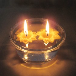 2 floating beeswax candles flower